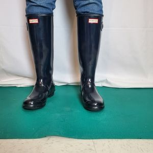 Hunter Navy Original Tall Gloss Rain Boot size 10